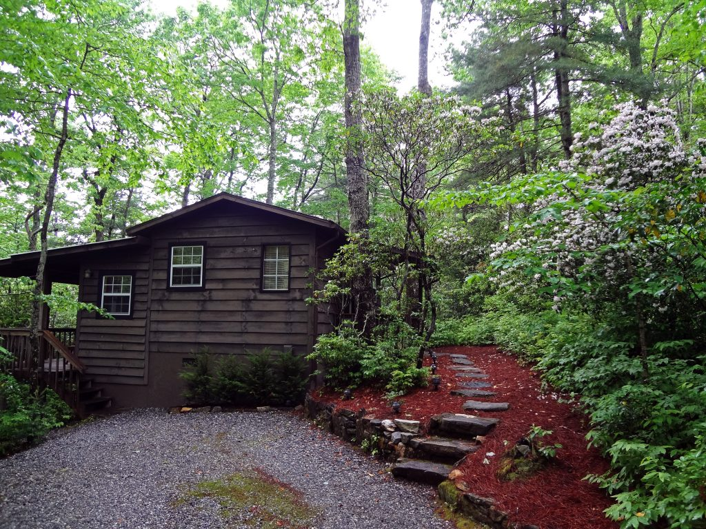 Fox Hole Cabin Rental Cabins At Seven Foxes Lake Toxaway